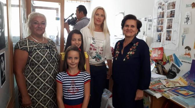"""Akcija sakupljanja udzbenika u OS """"Sveti Sava"""" po rijecima direktorice Marine Ovuke, obezbjedila udzbenike za preko pedeset posto ucenika"""